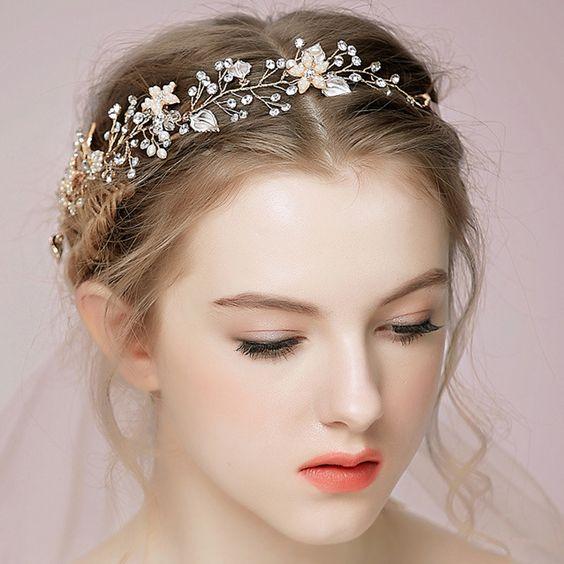 Couronne mariage avec fleurs et cristaux