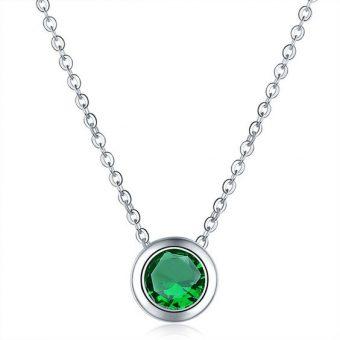 Collier demoiselle d'honneur vert.