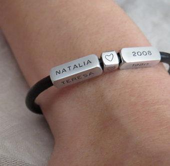 e4f5158426558 On vous propose des bijoux personnalisés pas cher: Bracelet personnalisé  maman, bracelet à graver femme, bracelet personnalisé prénom, bracelet  femme ...
