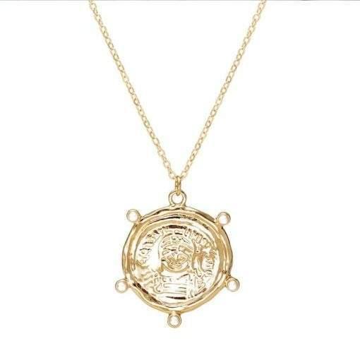 collier tendance 2020 - médaille dorée